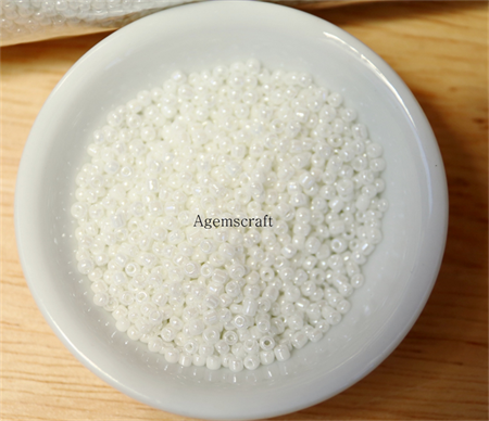 30g White with pearlescent coating Glass Seed Beads size 12/0