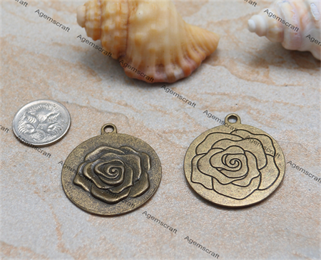 2 x  Flower Rose Textured Charm Pendant 35x30mm