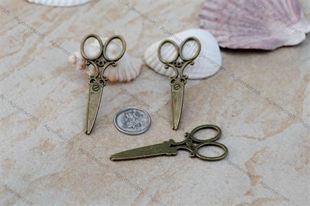 2 large Bronze tone Victorian style Scissors Charm Pendant