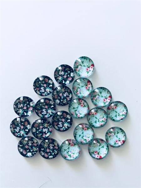 LAST SET 18 Glass Flower Cabochons 10mm
