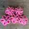 Set of 5 pink crochet flowers with sparkles