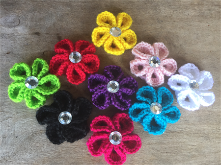 Set of 9 crochet flowers, assorted colours