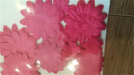 Assorted die cut paper flowers Hot Pink