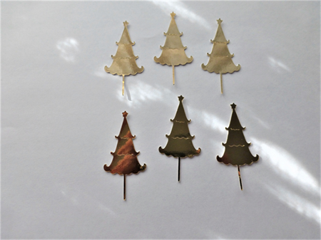 Die Cuts x 8 Gold Christmas Trees 
