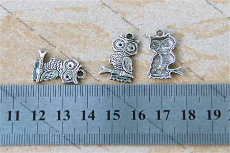 5 x Owls Owl  silver tone charms, 22x15mm