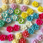 40 Mixed Resin Flower Cabs 10mm