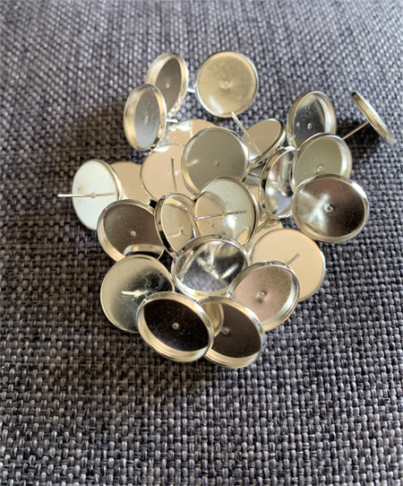 26x 18mm Round Stud Earring Trays  Silver Plated (13pairs)