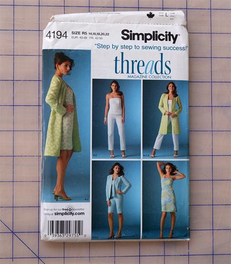 Simplicity 4194 uncut pattern. Size 14 - 22