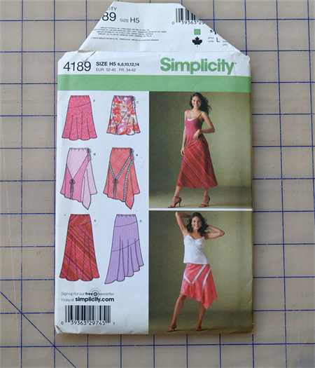 Simplicity 4189 pull on skirt uncut pattern. Size 6 - 14