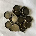 20 Antique Bronze Pendant Trays Settings 15mm.